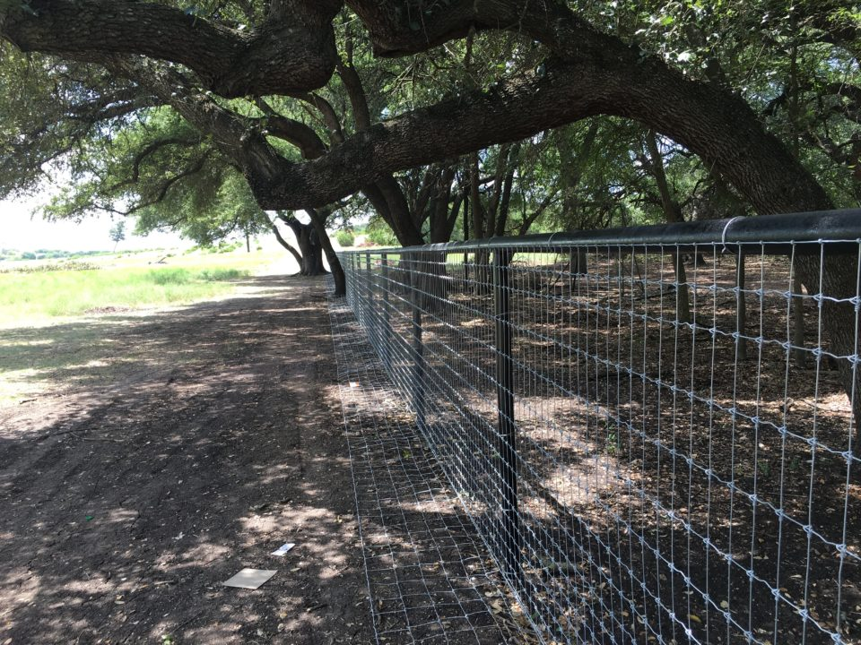 Aim High Fence Builders - Texas Ranch Metal Pipe Livestock Fence Construction